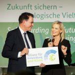Ernennung zur Botschafterin der Allianz für Entwicklung und Klima durch Bundesentwicklungsminister Dr. Gerd Müller am 16.12.2019 in Berlin